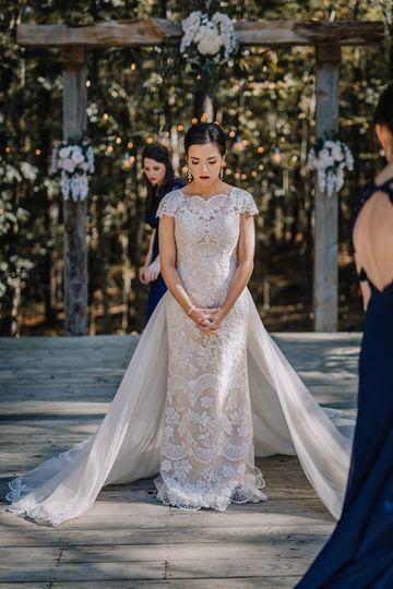 Gorgeous bride Laura!