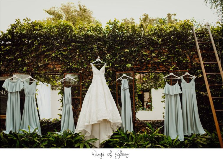 Wedding party dresses - Wings Of Glory Photography