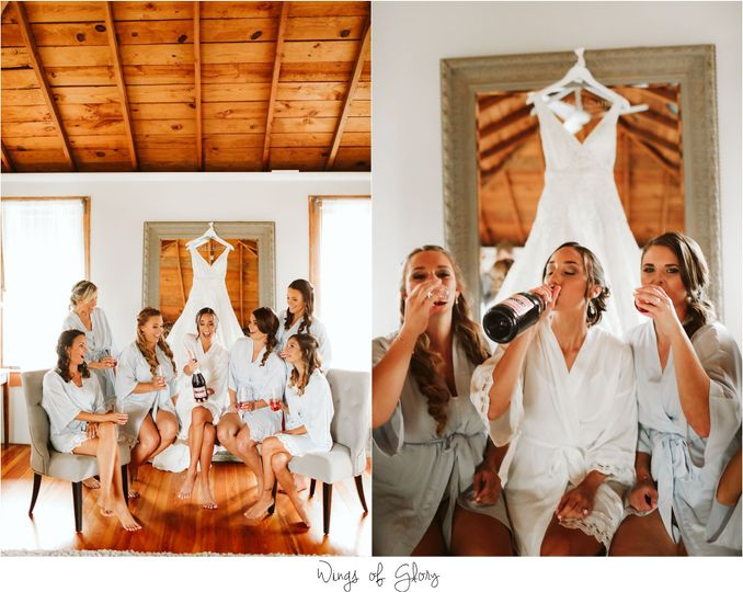 Wedding party celebrating - Wings Of Glory Photography