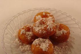 Delish Donuts Gourmet Mini Donuts
