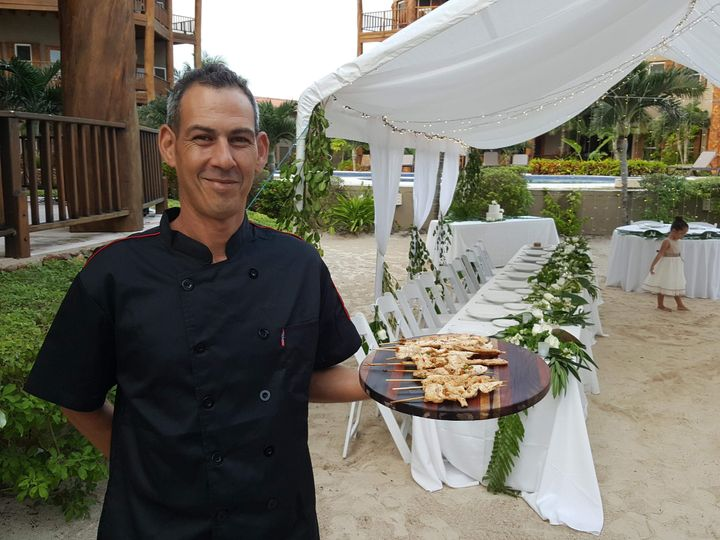 Cocktail Hour, Passed Appetizers   Photo Credit: Romantic Travel Belize