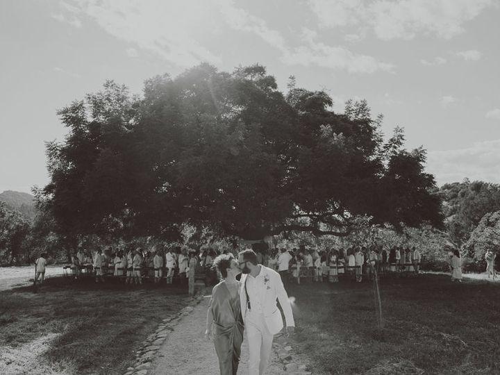 Tmx 1523423204 0063be6f5937082f 1523423171 5afac7f072ec0b2c 1523423170011 2 127 642 LOVE WOLVE San Rafael wedding photography