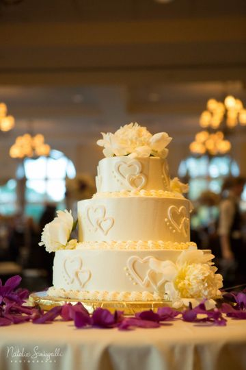 3-tier wedding cake | Photo courtesy of Natalie Sinisgalli Photography