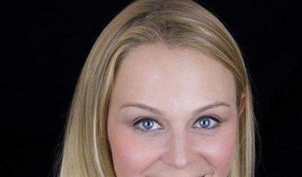 Erin M. Smith, Singer