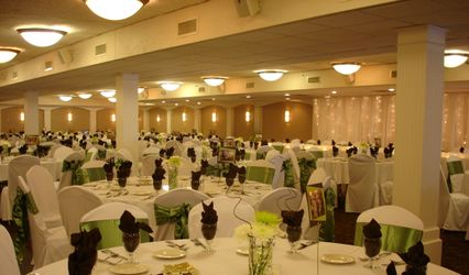 Mermaid Entertainment and Event Center and Mounds View AmericInn Hotel and Suites