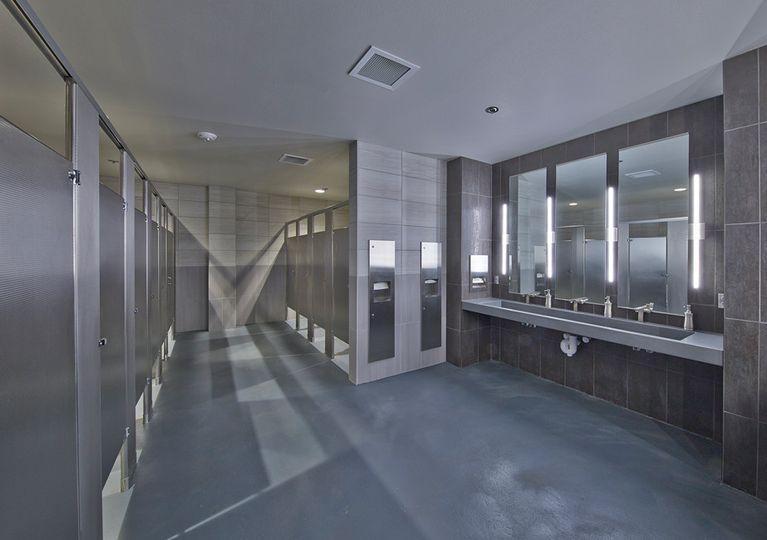 mocvenue252 restrooms