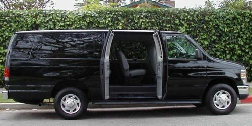 Ford passenger van (black)