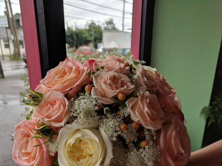 Tmx 1537214795 D24e1548c821b7e3 1537214791 D3c0287d5af34bd5 1537214779451 8 IMG 20180622 14504 Toughkenamon, Pennsylvania wedding florist
