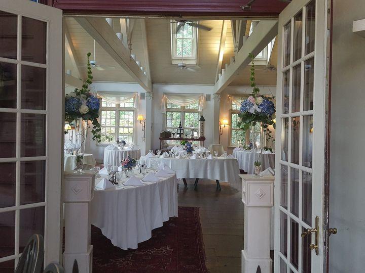 Tmx 1537215348 E84a46ba639beb02 1537215342 0f5d513f4fcd076a 1537215333762 5 20180803 152708 Toughkenamon, Pennsylvania wedding florist