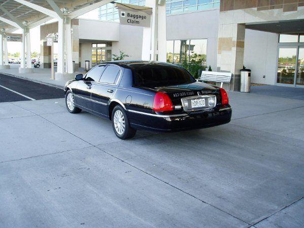 Branson Limousine Airport services