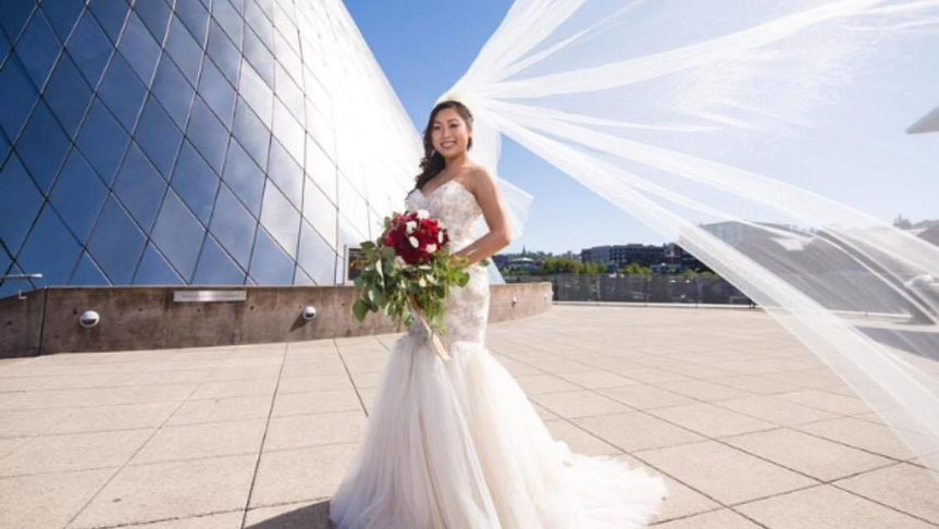 Bride's veil flowing   PC: Nallayer Studios