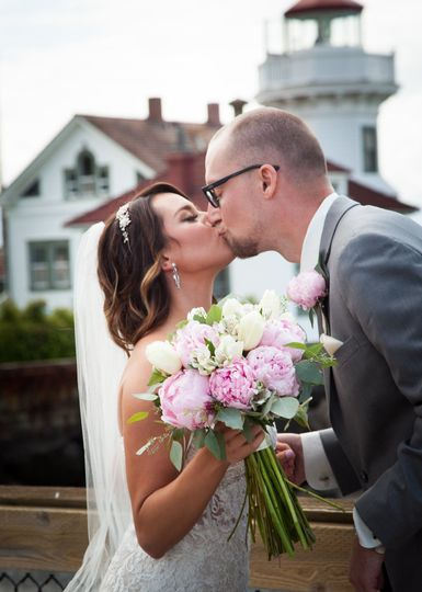 Wedding kiss   PC: Carver Images
