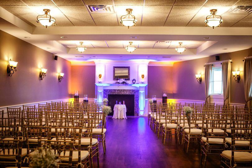 Indoor wedding ceremony set-up