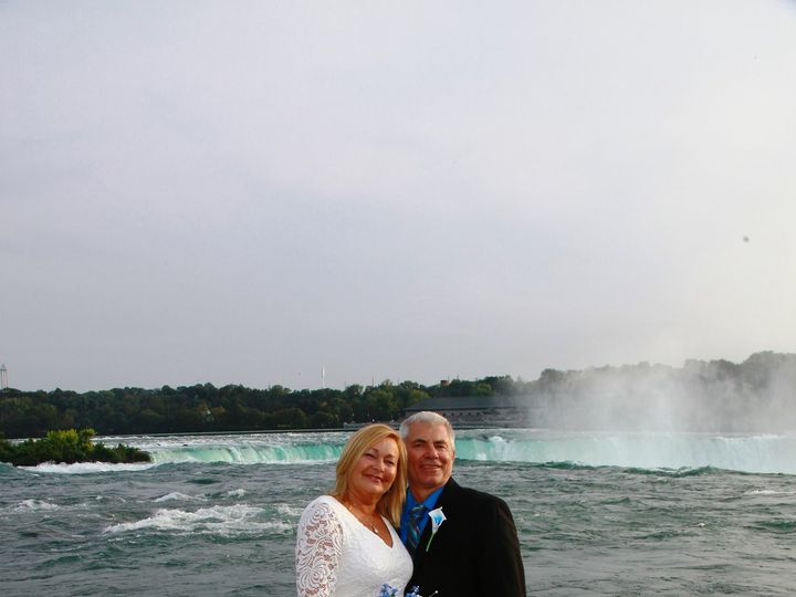 Tmx Horshoe Falls 51 5638 Buffalo, NY wedding officiant