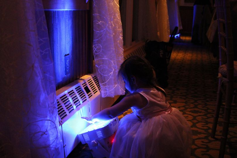 Our Uplighting is safe to the touch and is fully wireless, no need to worry about the little ones!