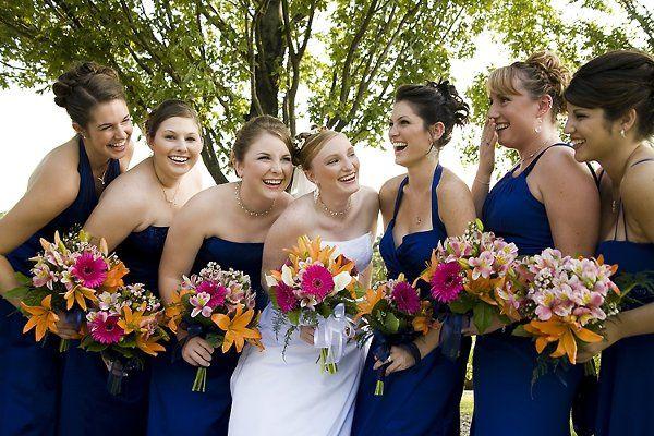 Bride with her girls!  In Ault Park in Cincinnati Ohio