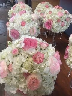 White and pink arrangements