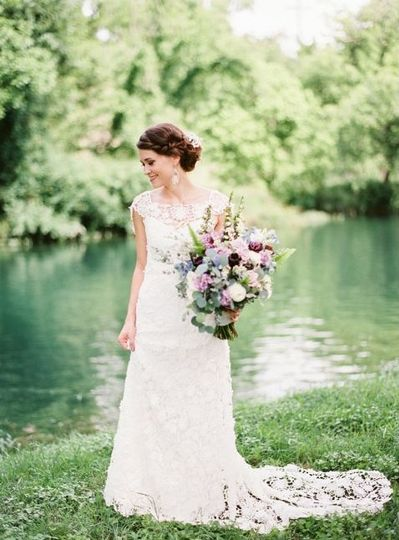 The bride by the lakes