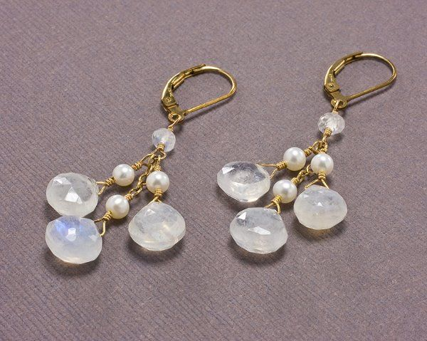Moonstone and Pearl Drop Earring