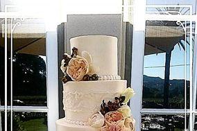 Michele's Corner Wedding Cakes