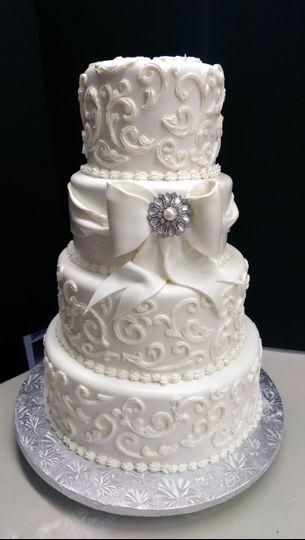 Fluffy white cakes