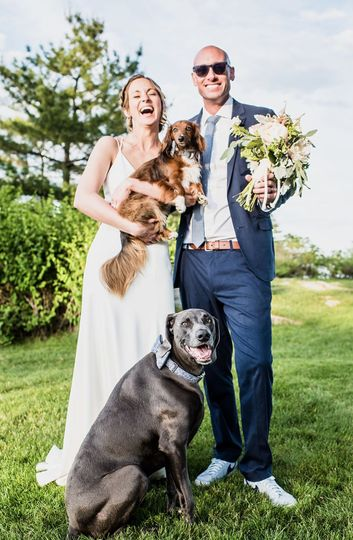 Newlyweds with their dogs