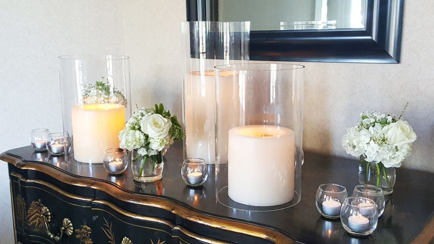 Candles and flowers decor