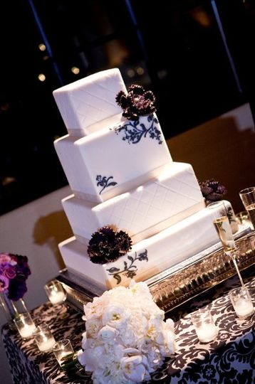 800x800 1313519662420 weddingcake