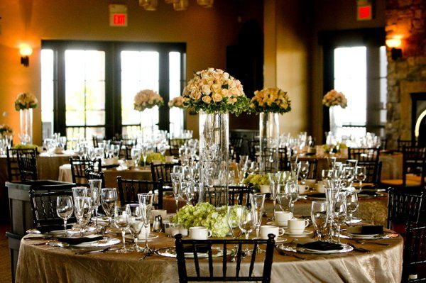 Clear wedding table