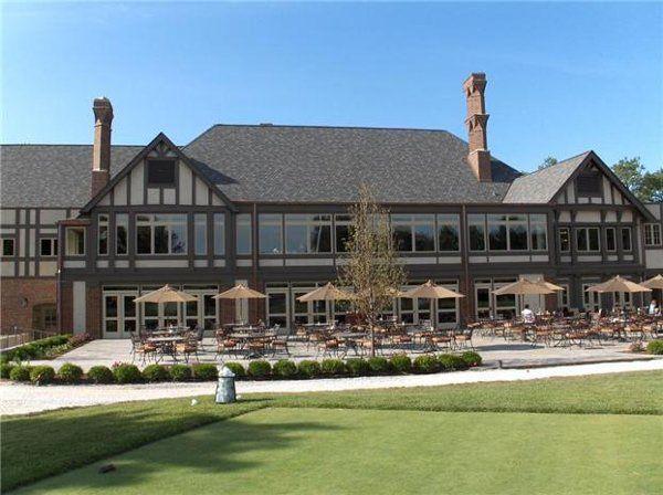 Outdoor view of Evanston Golf Club