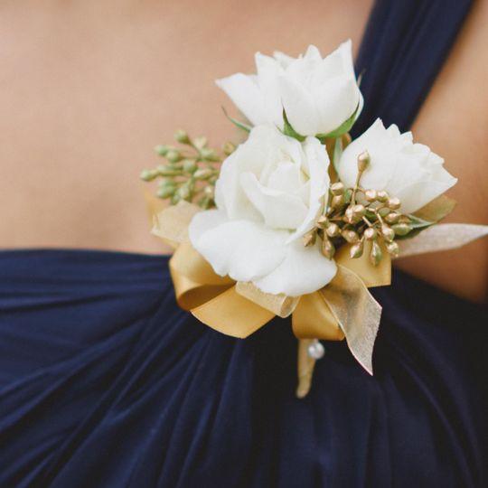 Bridesmaid flower decor