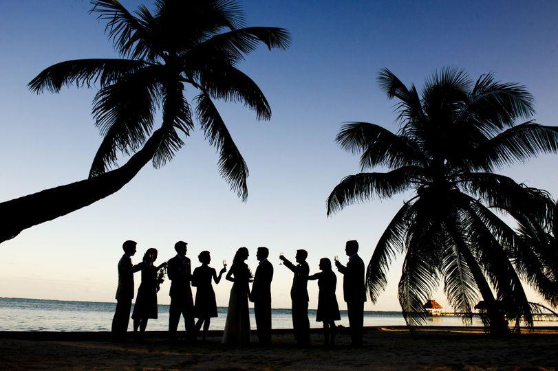 da77f610126dd925 1519232038 56f04d26cd569130 1519232026928 2 VH Wedding 2