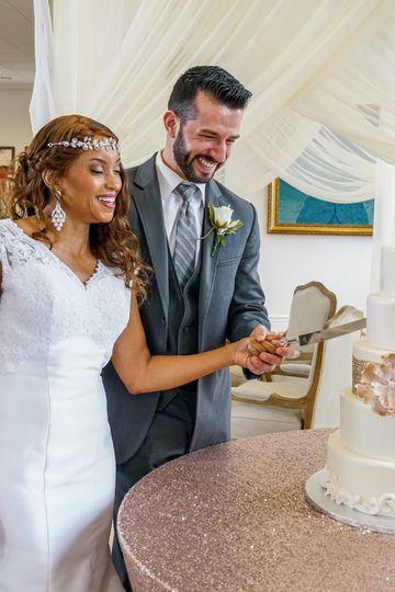 Groom & Bride Cut Cake
