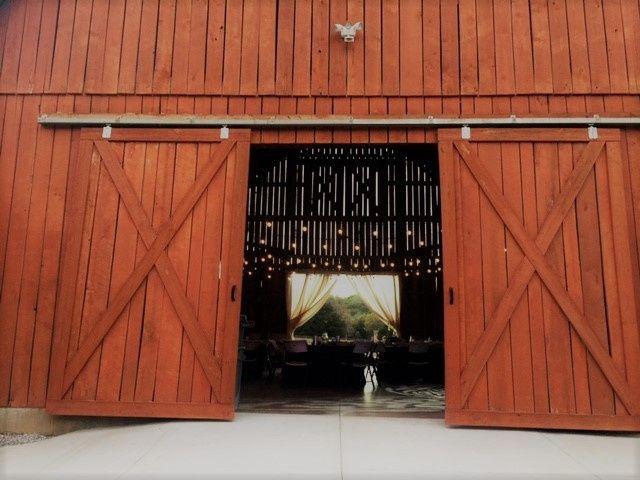 the barn at cedar ridge venue lenoir city tn