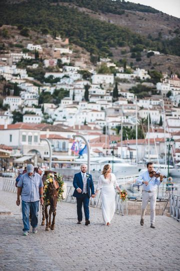 A romantic elopement in Hydra