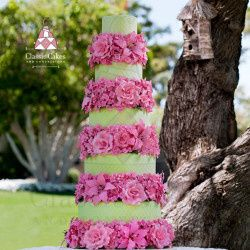 wedding cake lime green cake with pink flowers1 25