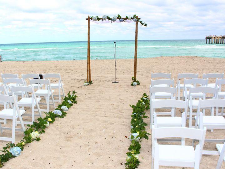 Tmx 1520806576 Ffa9be06da1f7321 1520806573 393c8700dcc9b227 1520806568749 34 IMG 2283 Hollywood, Florida wedding florist