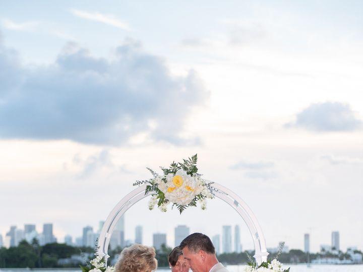 Tmx Lisa Wed 0180 51 752248 1555430338 Hollywood, Florida wedding florist