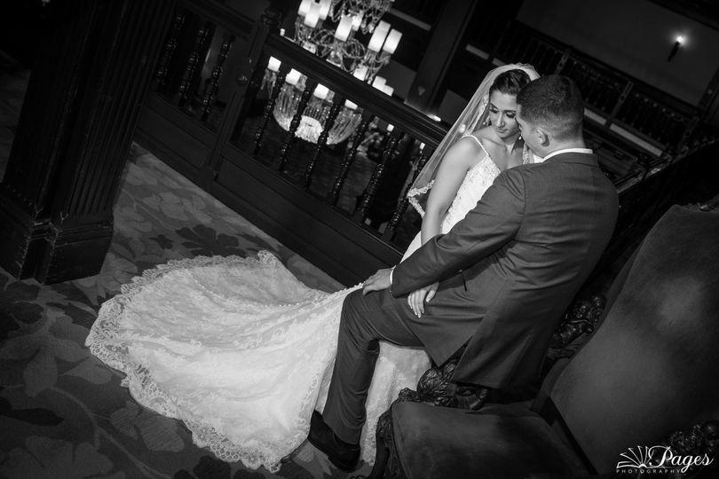 creative wedding photos at hotel del coronado