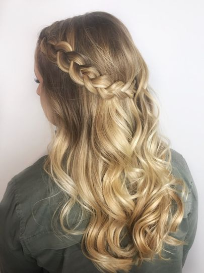 Partial Updo with a Braid