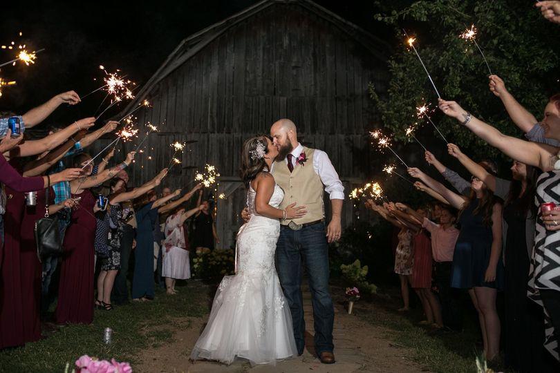 a946fdbc2c3c621e 1533491083 ef7728af455dde7b 1533491065199 9 Nashville Wedding