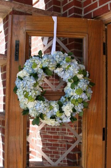 Late Spring Hydrangea and Vibernum Wreath