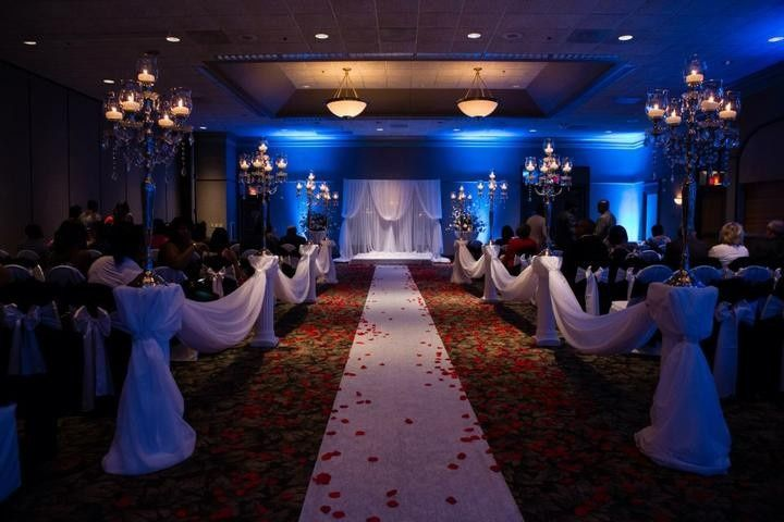 Four points by sheraton milwaukee airport venue milwaukee wi four points by sheraton milwaukee airport venue milwaukee wi weddingwire junglespirit Choice Image