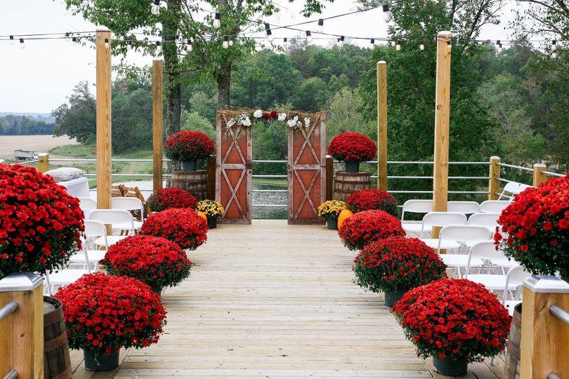 Fall wedding ceremony
