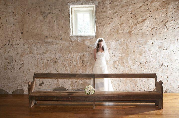 c7107c4b6b64821a 1515534450 e5a052422d1ebe9e 1515534444945 2 bride bench barn