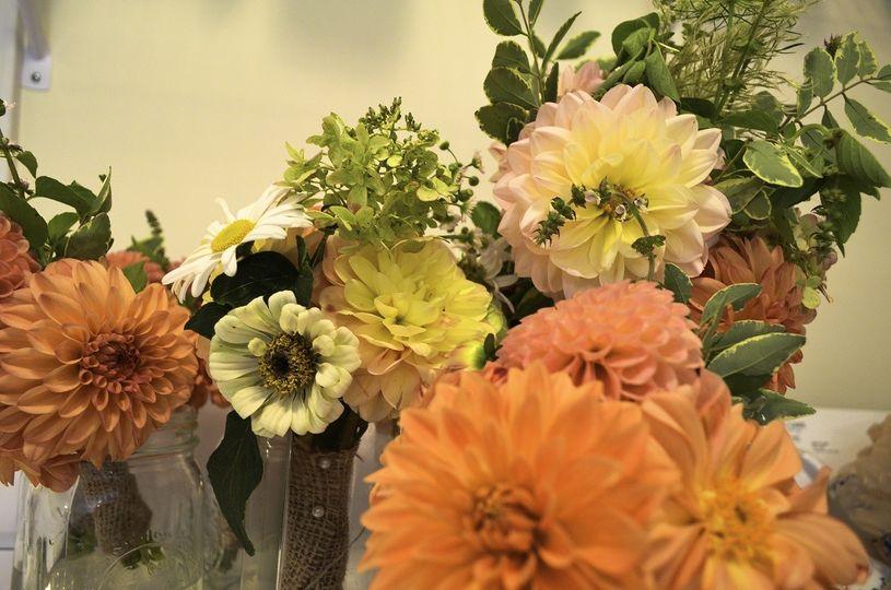 standingdeer flowers on