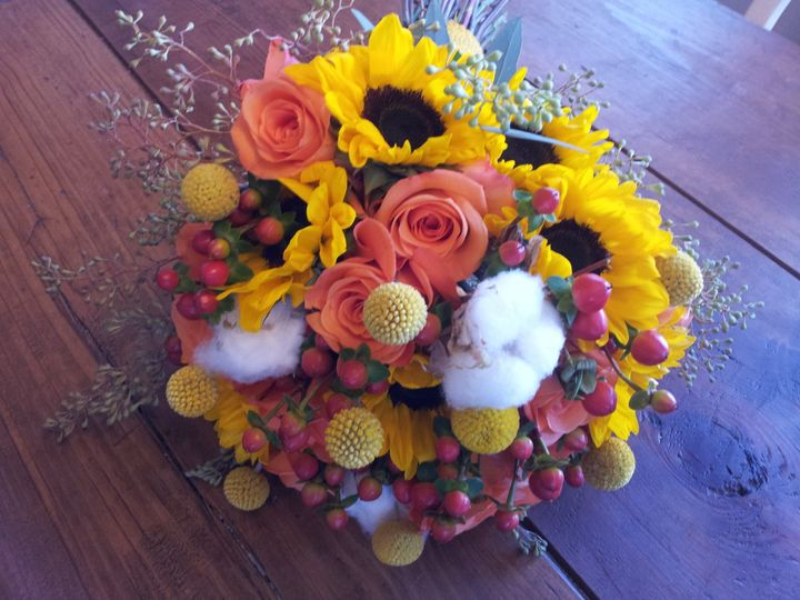 Sunflowers, Roses, Berries, Billy Bobs, Cotton Balls