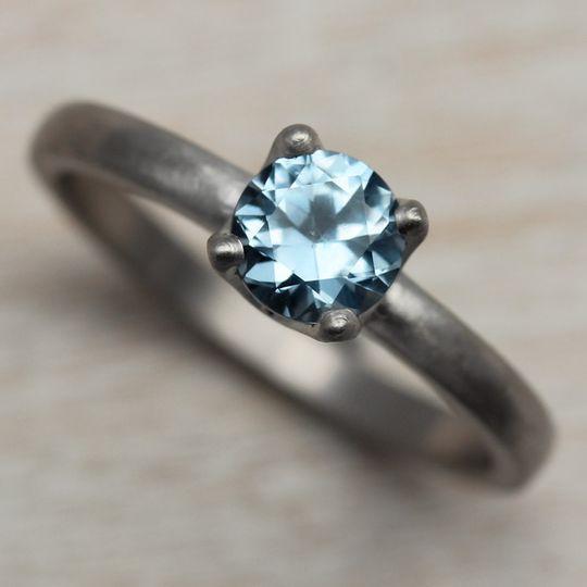 Aide memoire jewelry jewelry seattle wa weddingwire for Sapphire studios jewelry reviews