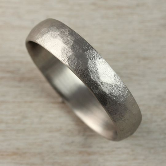 14k white gold 5mm stone texture hand carved class