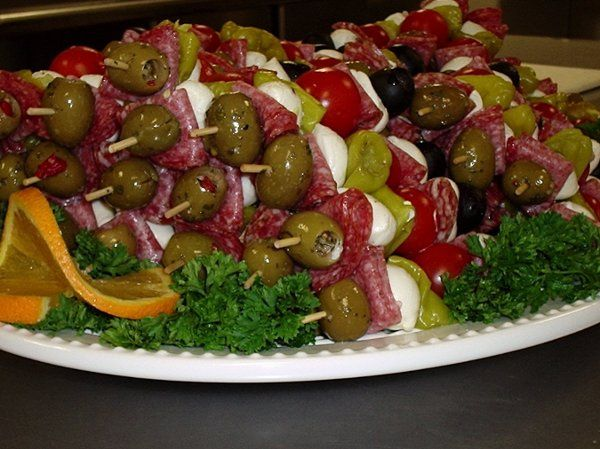 All the fun of an authentic Italian antipasto platter with Italian dry salame, Sicilian garlic...